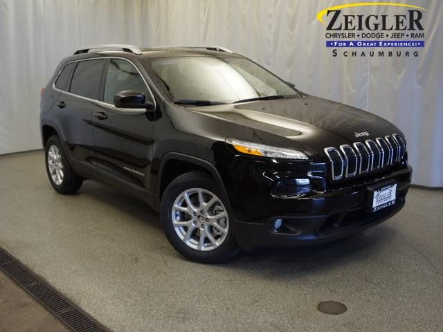 New 2017 Jeep Cherokee in Schaumburg Illinois