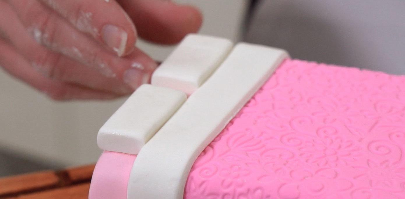 How Do You Make A Doc Mcstuffins Cake