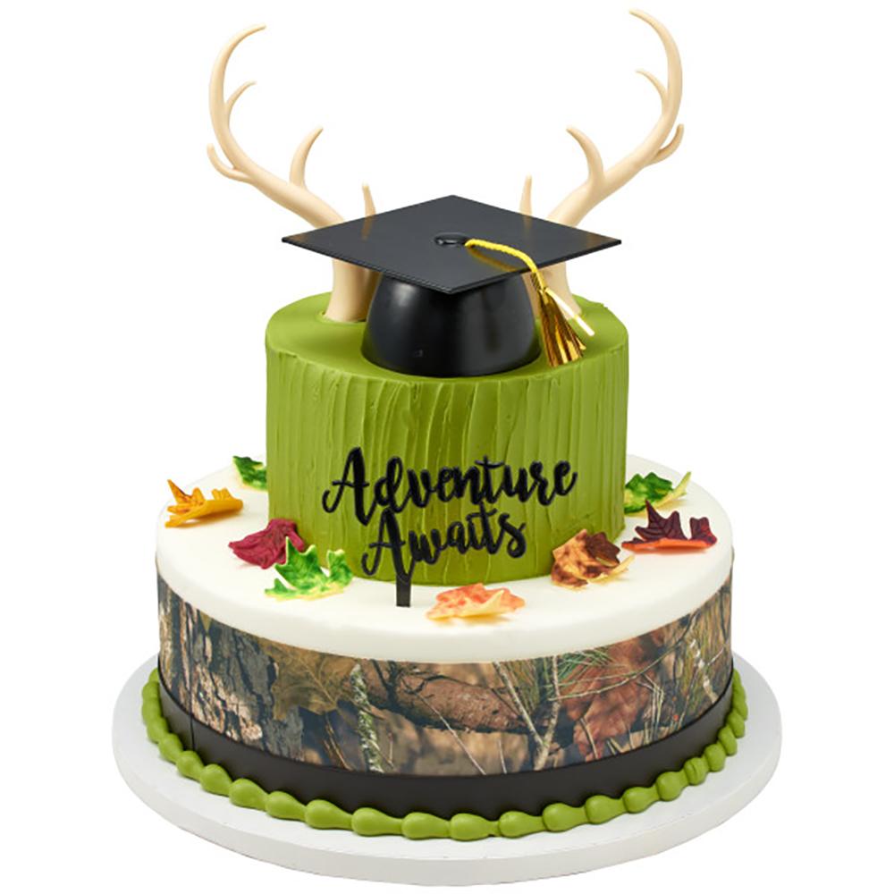 A Hunter's Graduation Cake Design
