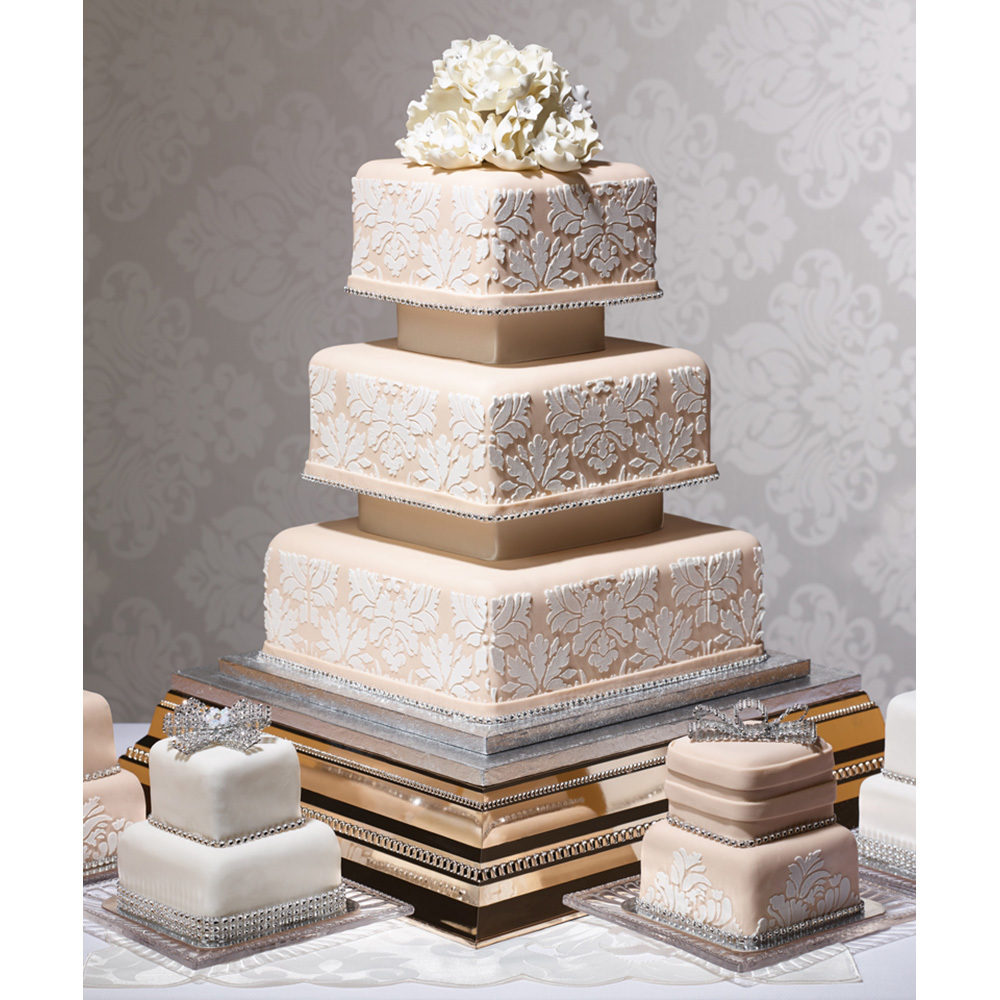 Elegance Wedding Cake Design