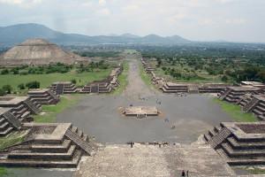 teotihuacan-view_from_pyramide_de_la_luna