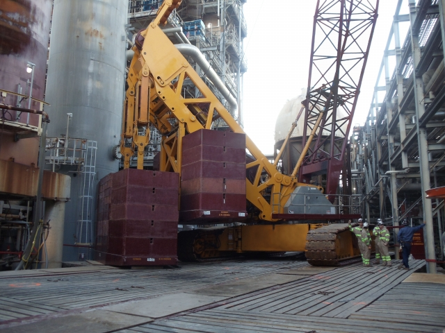 Deep South Crane Heavy Lift Services