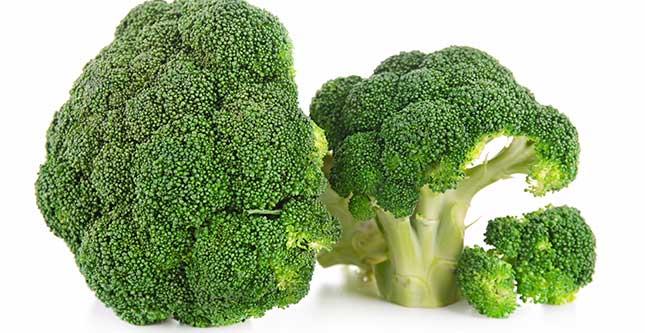Broccoli eten om artritis te vermijden