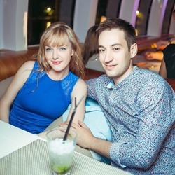 Julia & Sasha Nikitushkiny