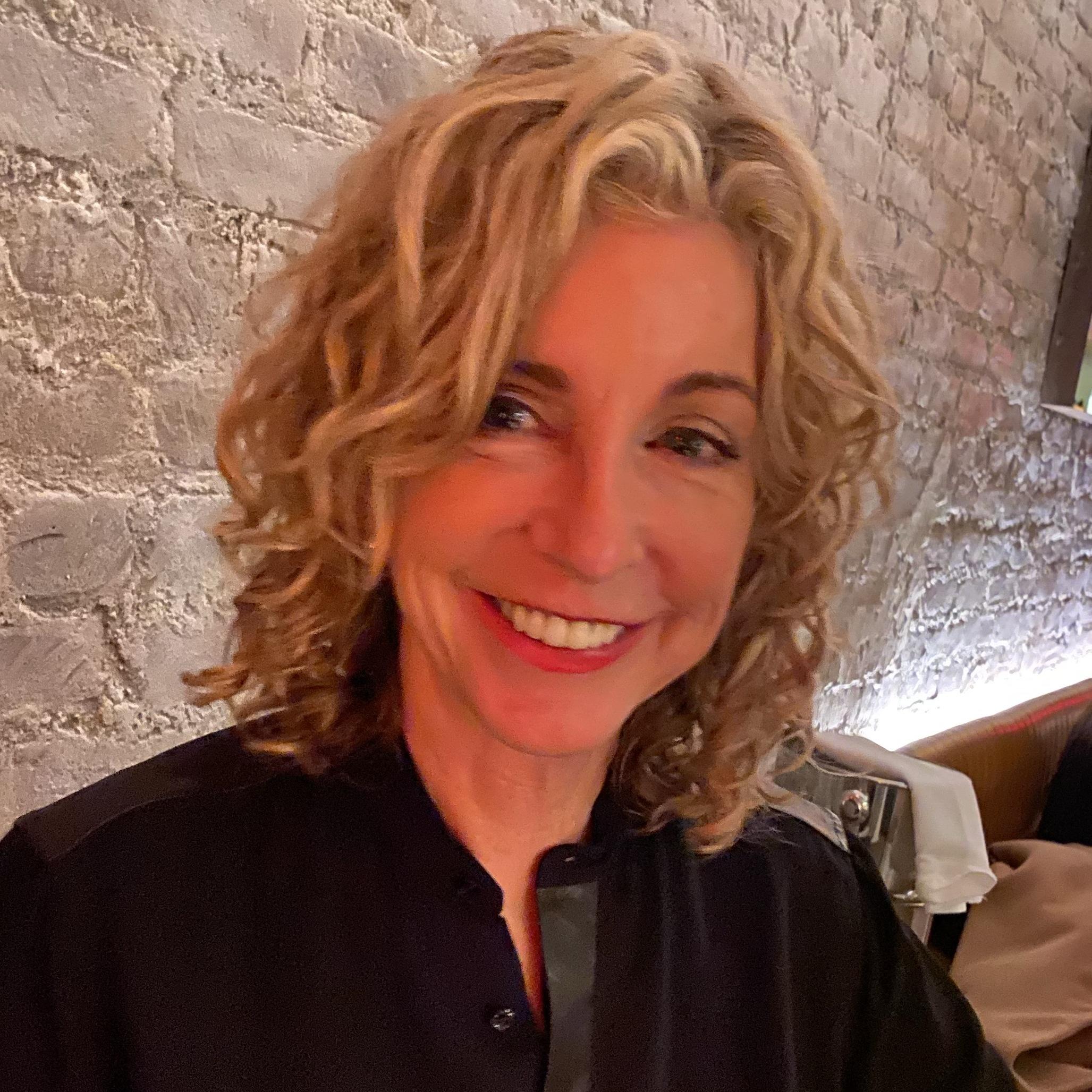Suzanne Hernandez