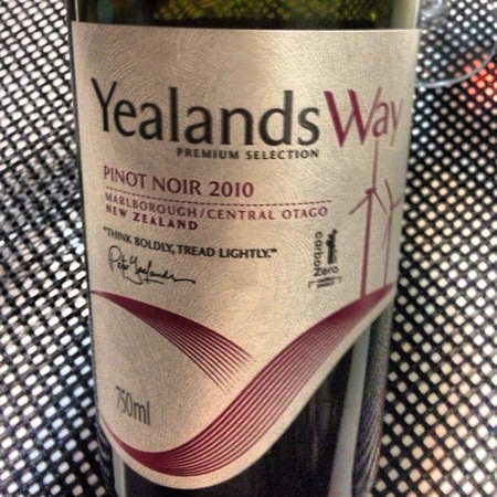 Yealands Estate Premium Selection Marlborough/Central Otago Pinot Noir 2011