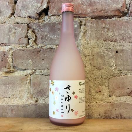 Hakutsuru Sake Brewing Co. Sayuri Nigori Sake NV (720ml)