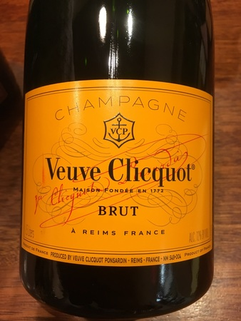 Veuve Clicquot Ponsardin Yellow Label Brut Champagne Blend (1500ml)