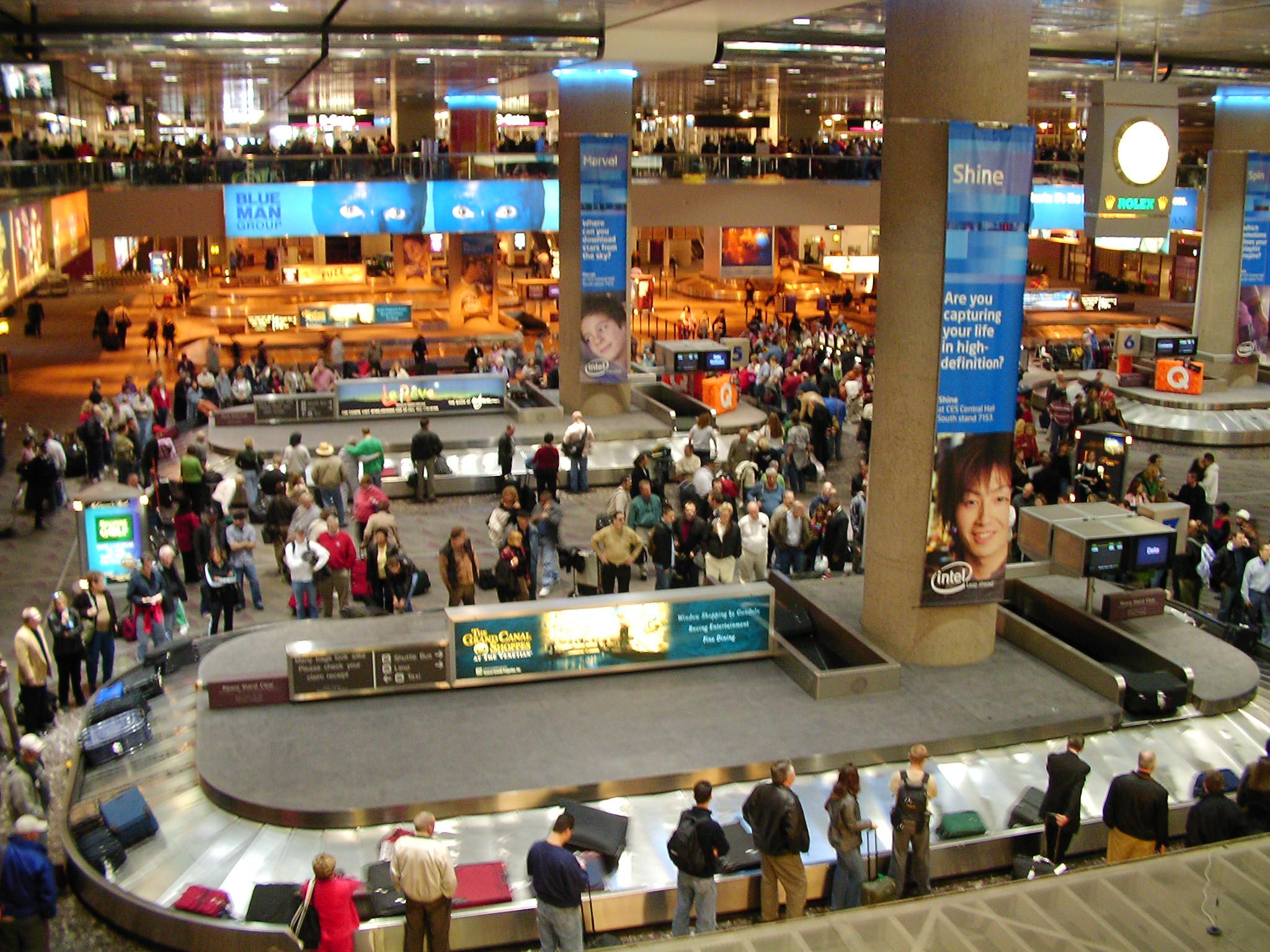 Vegas Airport - Mayhem!