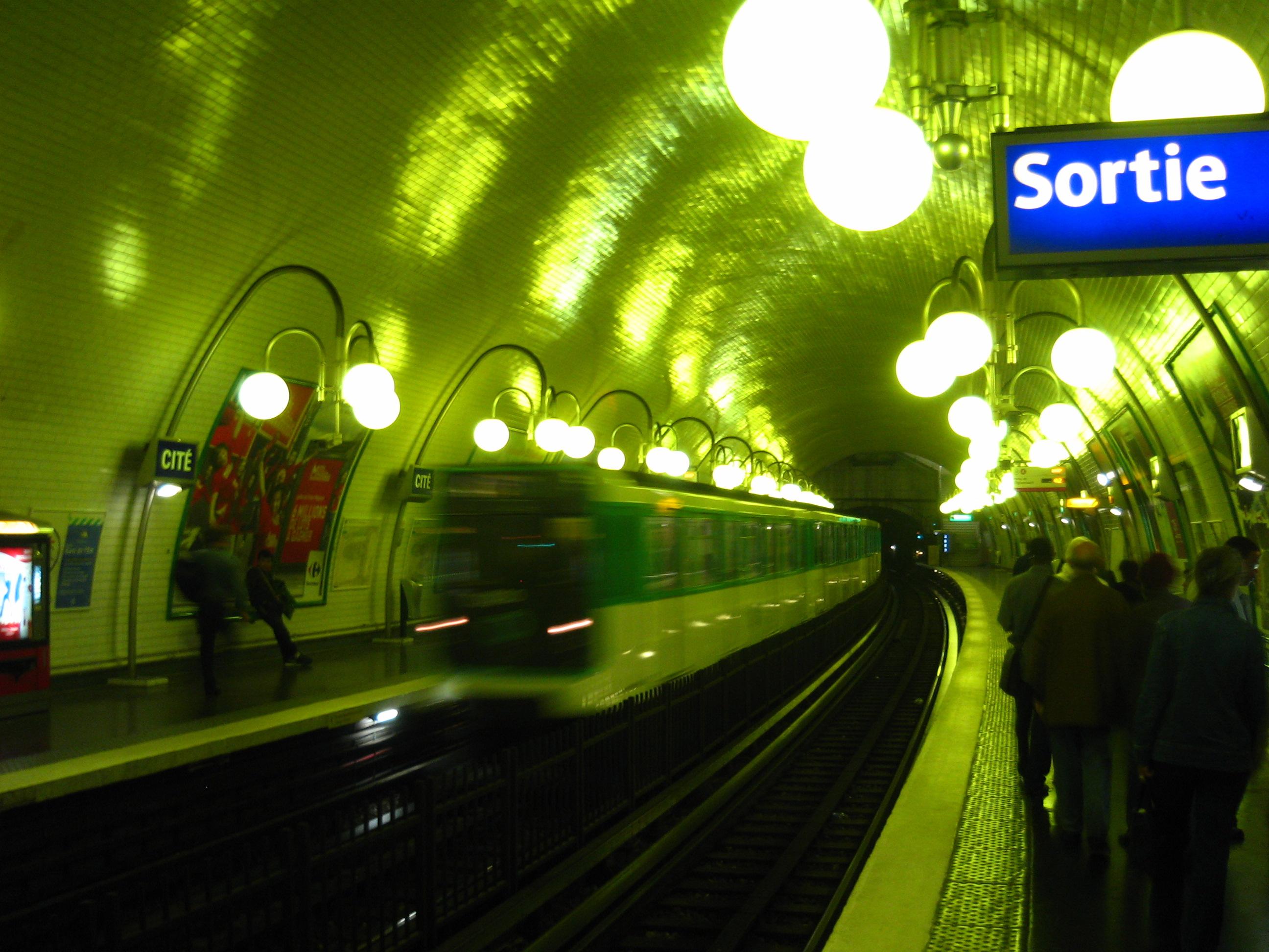 Train (RER? Metro?) Station
