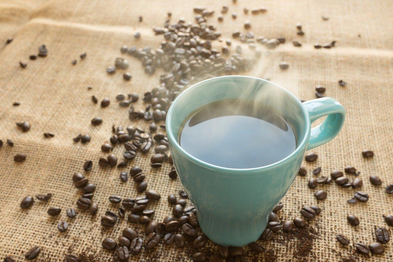 Consumo de café cresce até mesmo em meio à pandemia do novo coronavírus no Brasil. Crédito: Craig Melville/Pixabay.