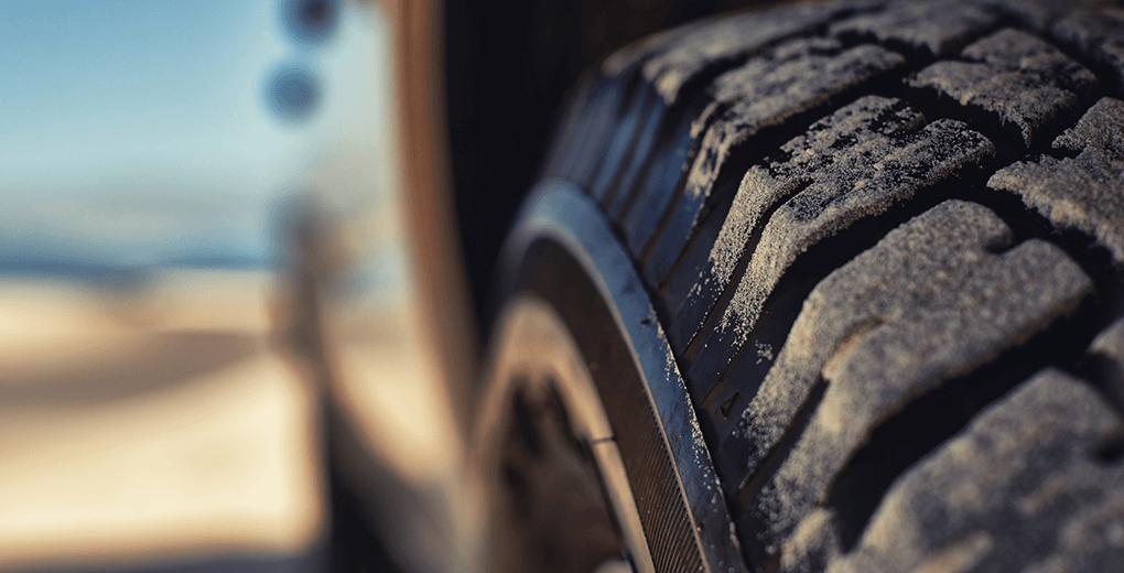 7 señales que indican que debes cambiar los neumáticos de tu auto