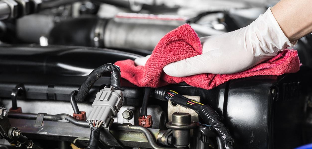 Aprende cómo limpiar un motor por dentro2