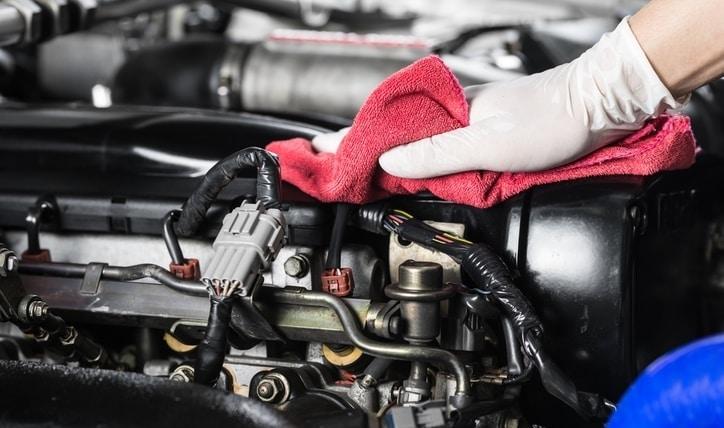 Aprende cómo limpiar un motor por dentro