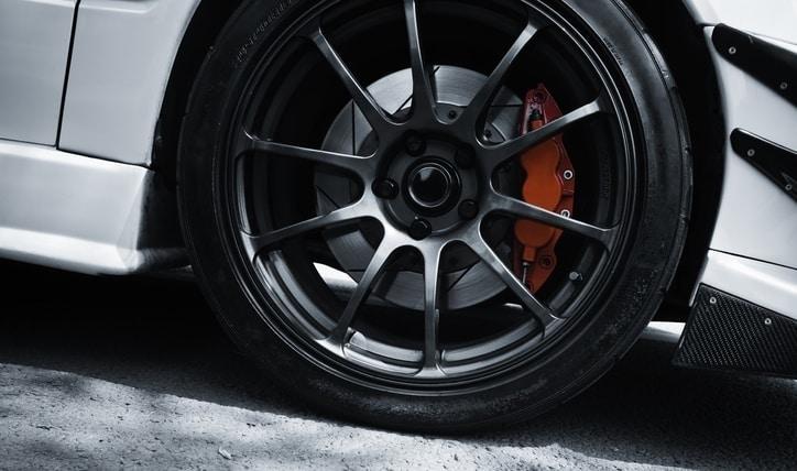 Conoce tu vehículo: qué son los frenos ABS