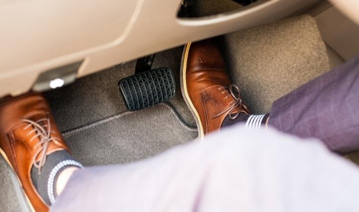 Conoce tu vehículo: cómo funciona el embrague