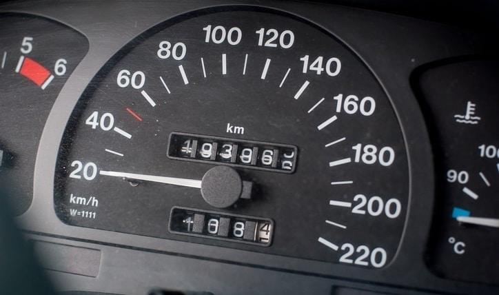 Tips de conducción: cuál es la velocidad máxima en zona urbana