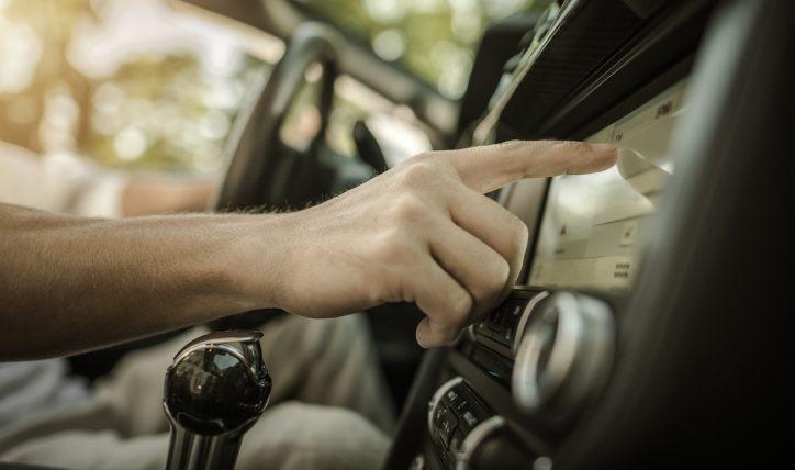 Radio con Android Auto y Apple CarPlay: funciones básicas