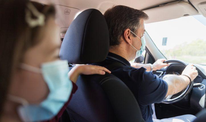 ¿Es obligatorio el uso de mascarilla en tu vehículo?