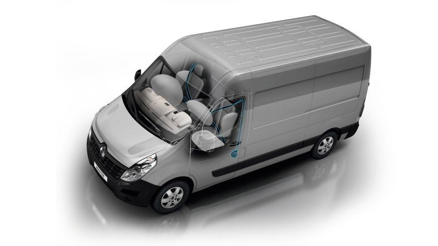 Renault Master, Airbags y cinturón de seguridad Renault MASTER tiene un óptimo sistema de seguridad pasiva: un airbag lateral del conductor de alta eficiencia como estándar, cinturones de seguridad de 3 puntos de altura ajustable con limitador de carga, etc.