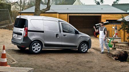 Renault Nueva Dokker III, Disfruta de una conducción práctica Facilidad de carga, acceso rápido a los objetos, puerta lateral y más... ¡Renault DOKKER es muy práctica!