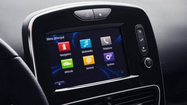 Renault Clio , Conecta tus sentidos R-LINK Evolution o Media Nav Evolution... con Renault CLIO, elige el sistema multimedia adecuado para ti. Experimenta nuevas sensaciones en cada conducción.