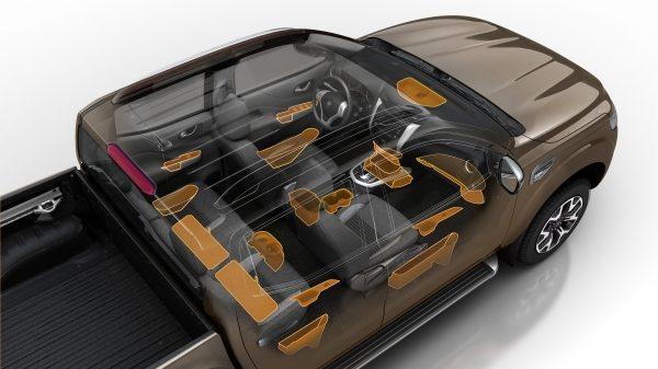 Renault ALASKAN Cabina práctica e intuitiva