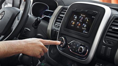 Renault: Nuestros sistemas multimedia, Media Nav Elige un sistema multimedia fácil de usar, servicios esenciales y navegación de alta calidad.