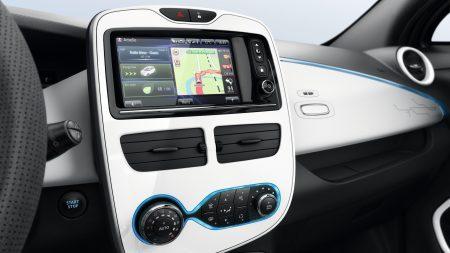 Renault: Nuestros sistemas multimedia, R-LINK & R-LINK Evolution Disfruta de R-LINK & R-LINK Evolution, la tablet conectada diseñada para mejorar tu experiencia de conducción.