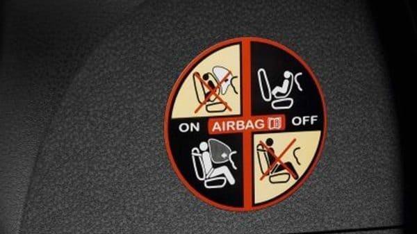 Renault SYMBOL, Airbag de acompañante desconectable