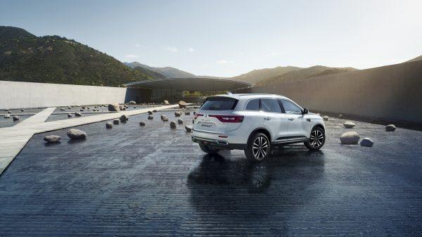 Renault Koleos, El arte de llamar la atención Una combinación sin precedentes entre potencia y sofisticación, su diseño asertivo traspasa los límites de lo que se espera y expresa, por sí mismo, un estilo audaz. Su estatura y confianza inspiran respeto.