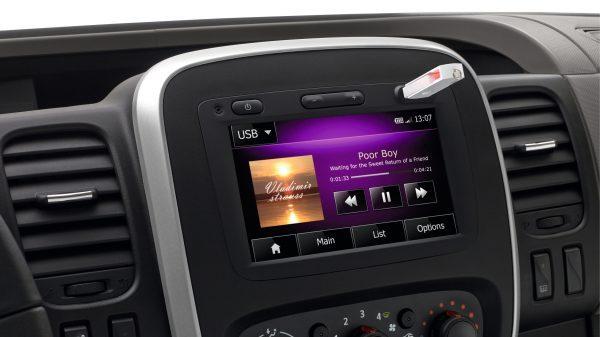Renault, Deja que suene la música