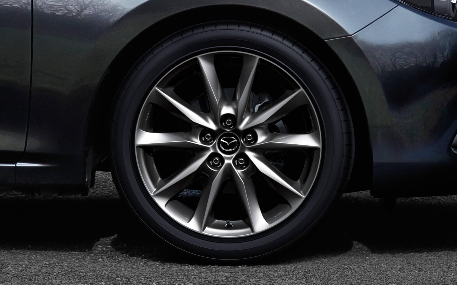 Mazda 3 Hatchback 2017 – Ruedas de aleación de 18 pulgadas