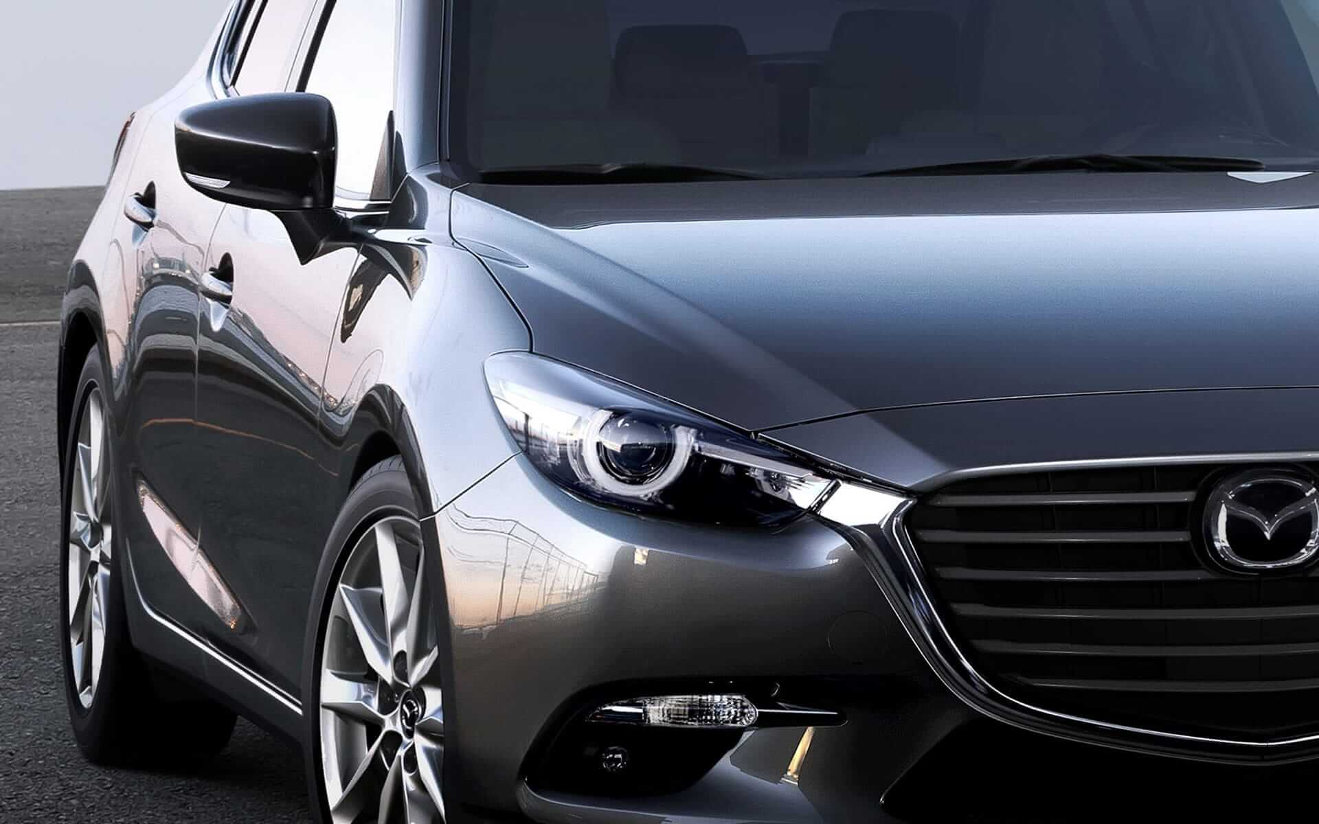 Mazda 3 Hatchback 2017 - Frente del auto – machine grey