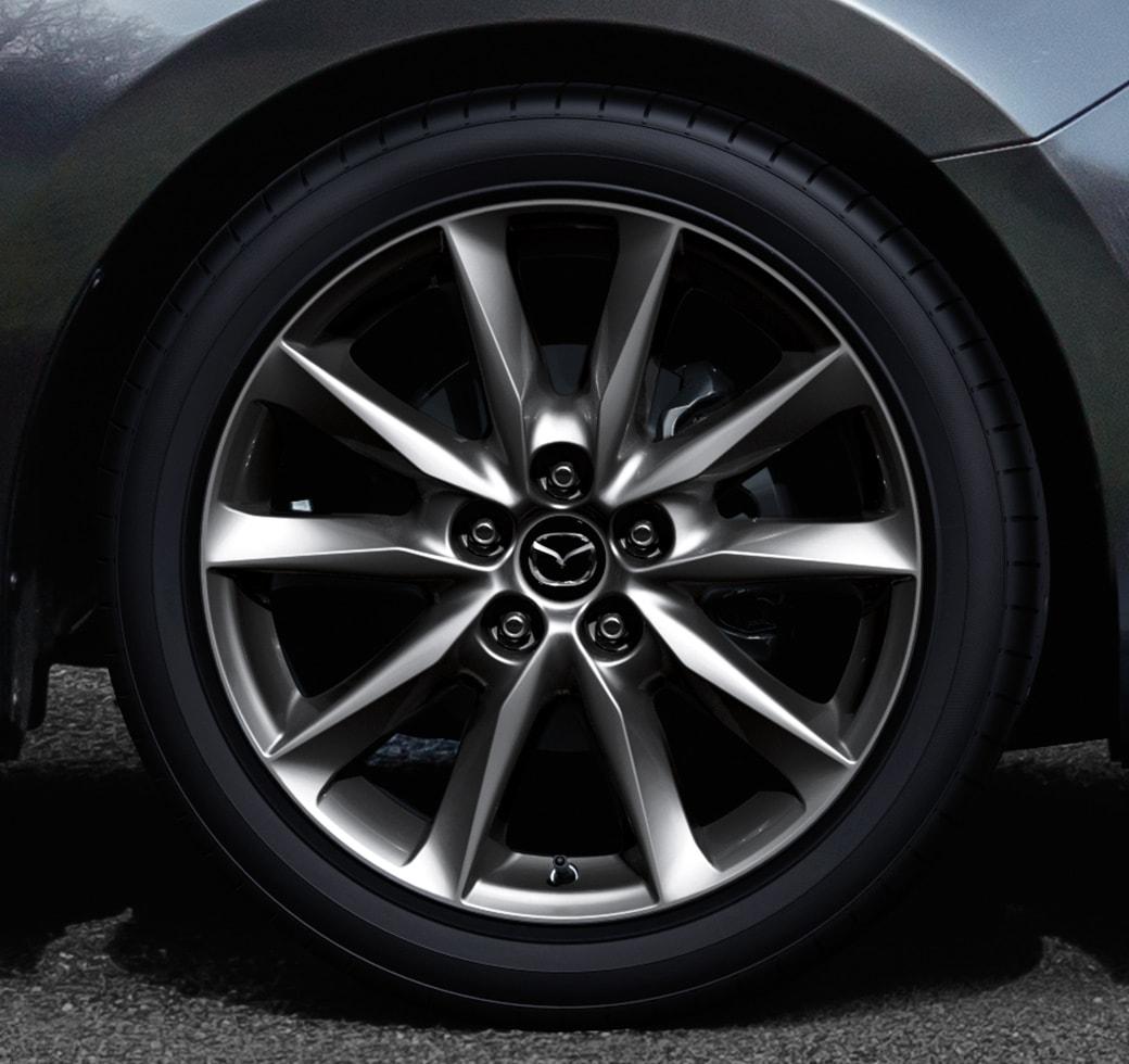 Mazda 2018 3: Sedan – Ruedas de aleación de 18 pulgadas