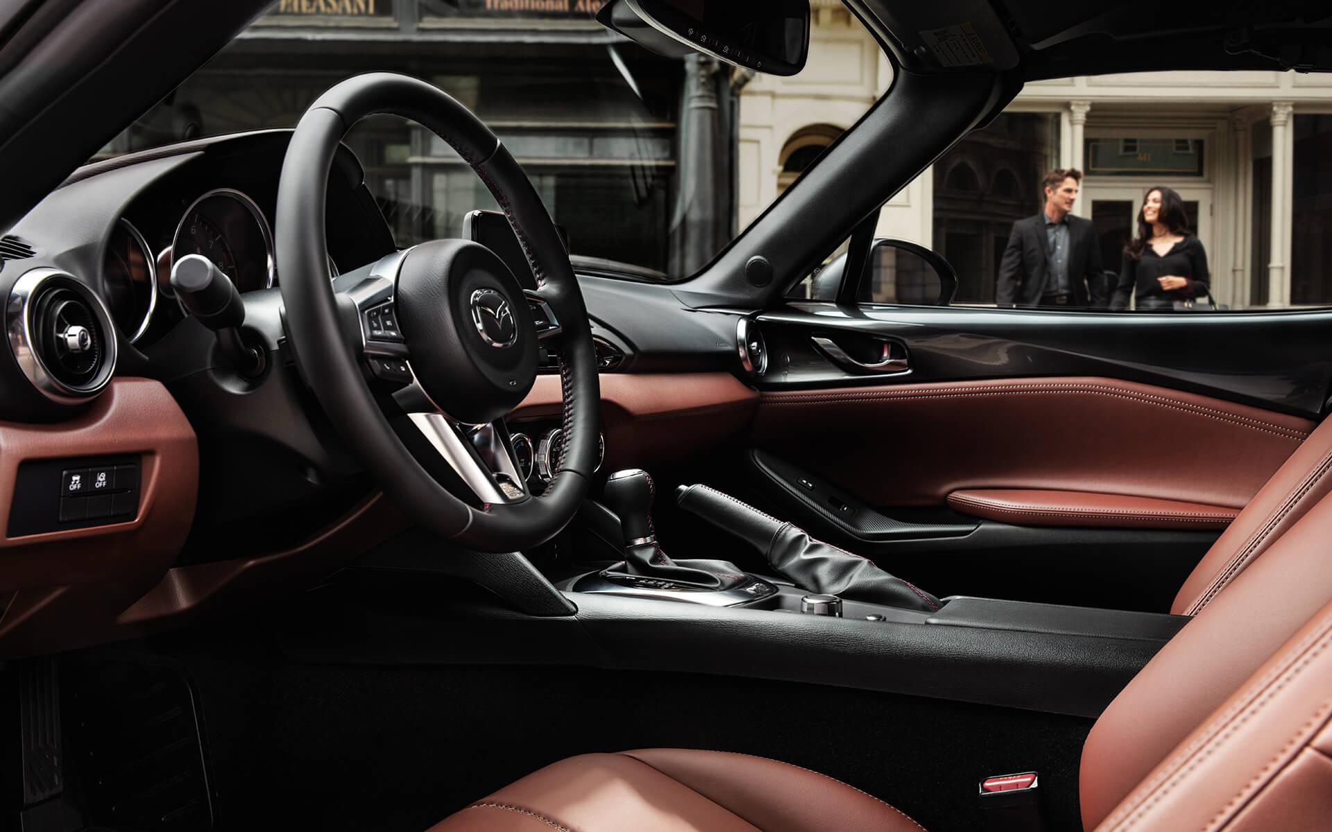 Auto deportivo Mazda MX-5 Miata RF 2019 – interior