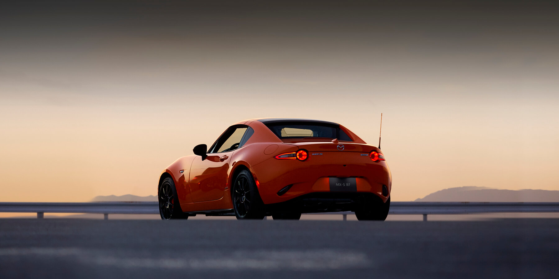 Mazda Mazda MX-5 RF R 6AT RF TECHO C.C