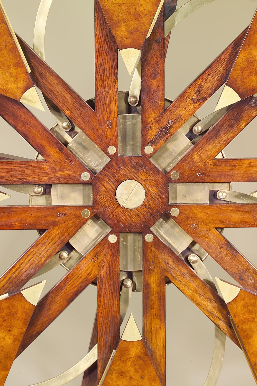 стол вернее концепция дизайнера Robert Jupe обсуждение на
