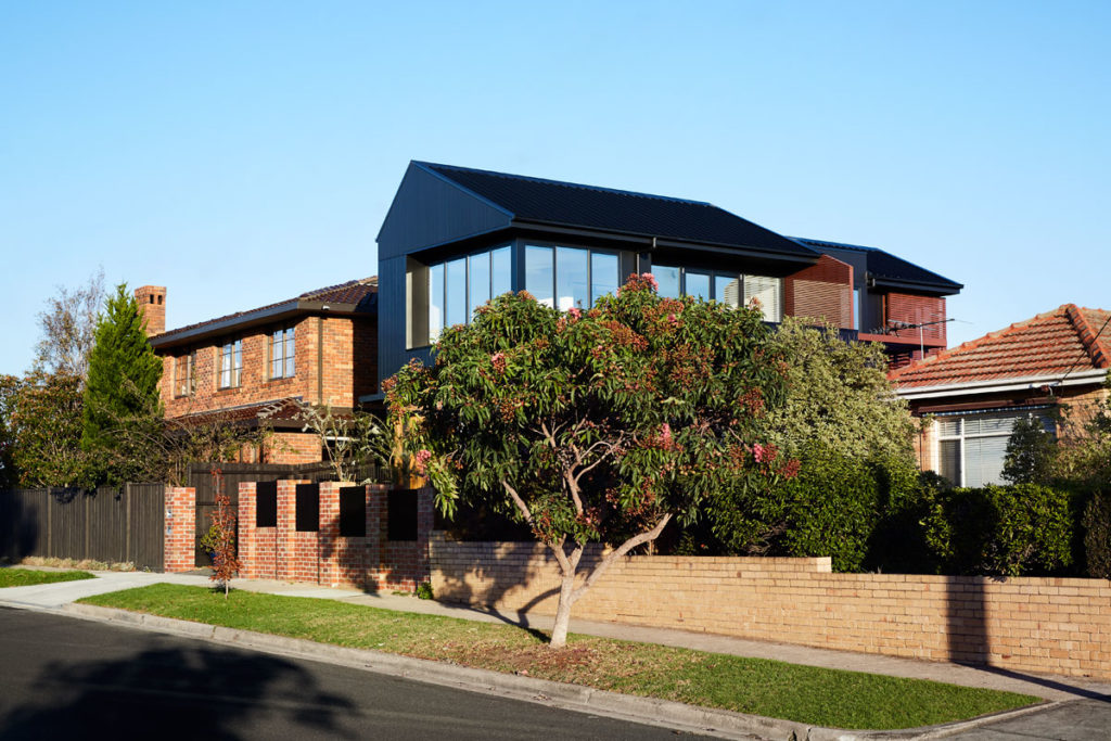 View from Lawson Street, Brodecky House / Atlas Architects