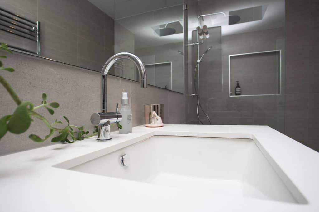 Bathroom, Brodecky House / Atlas Architects