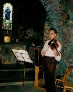 violist practicing