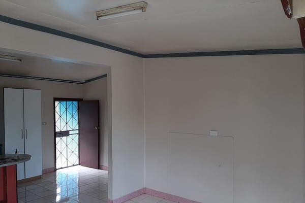 3 bedroom house for rent (inclusive of master )