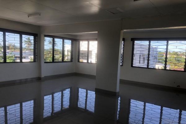 4 Bedroom Unfurnished Top Flat