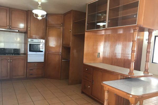 4 Bedroom Executive Flat For Rent