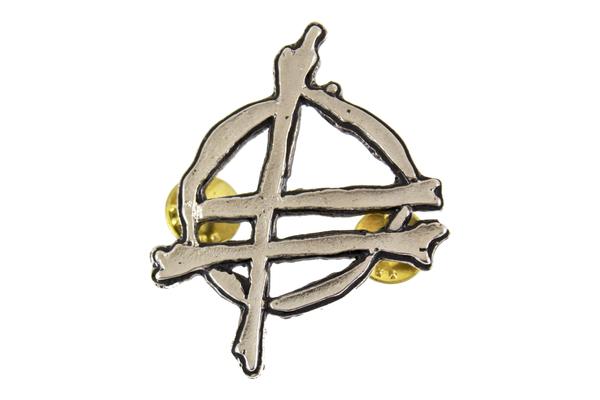 Fu logo pin 1