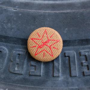 Red Star / Brown Cloth Pin thumb