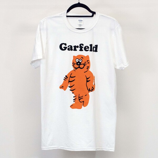 Garfeld bootleg Garfield and Heathcliff cat t-shirt thumb