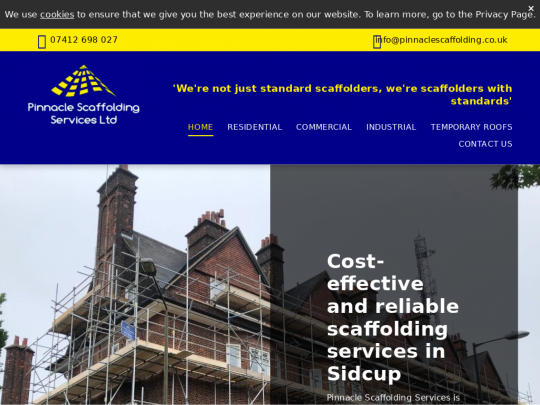 Tablet screenshot of www.pinnaclescaffolding.co.uk