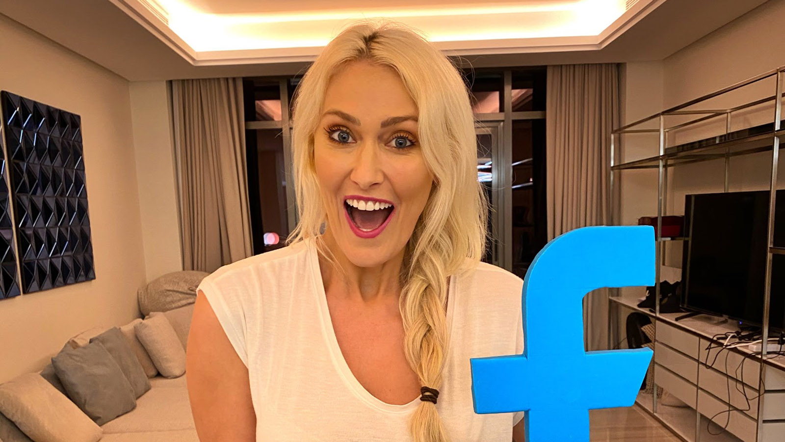 Supercar Blondie hits 30m Facebook followers