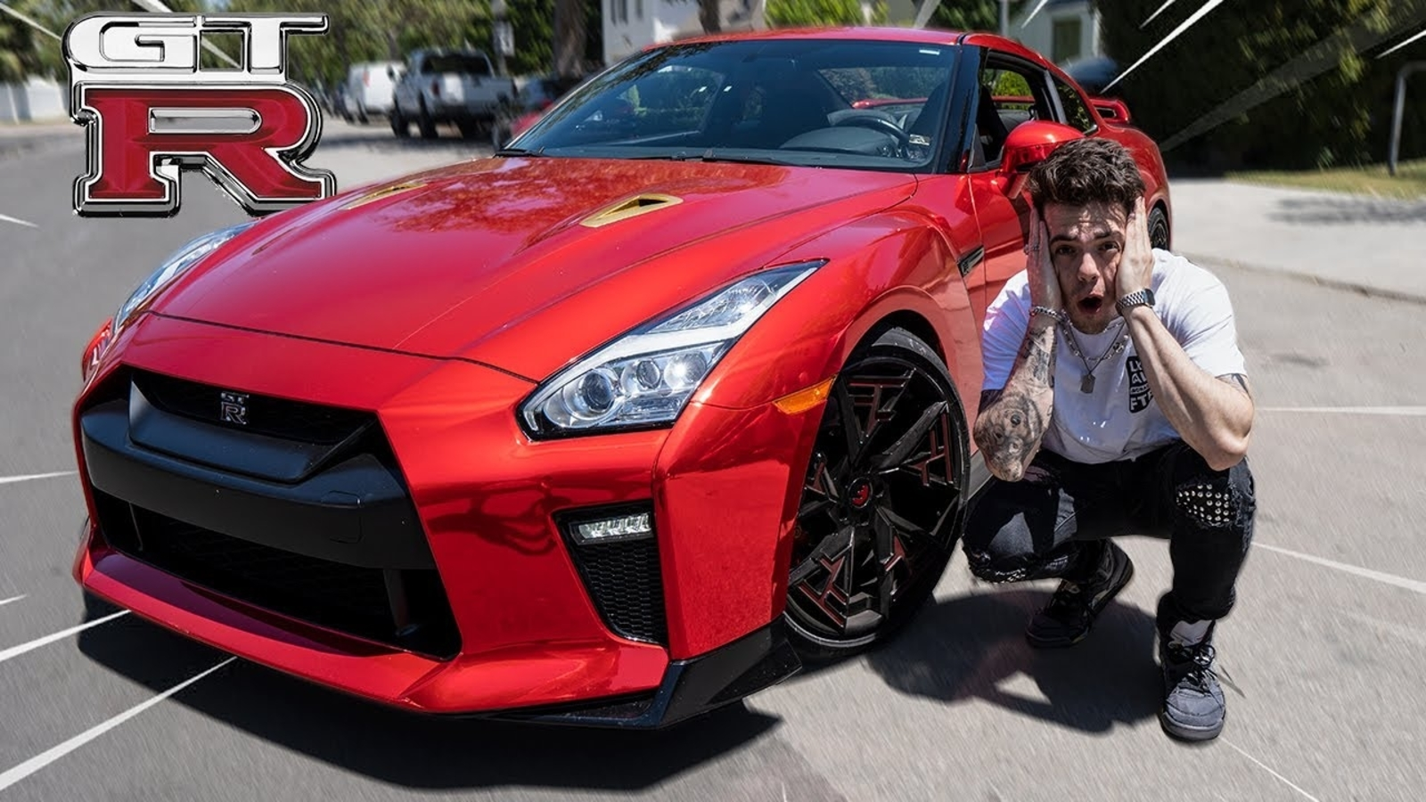 FaZe adapt next to his new custom GTR